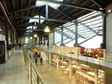 Bau Centre Universitari de Disseny de Barcelona Campus