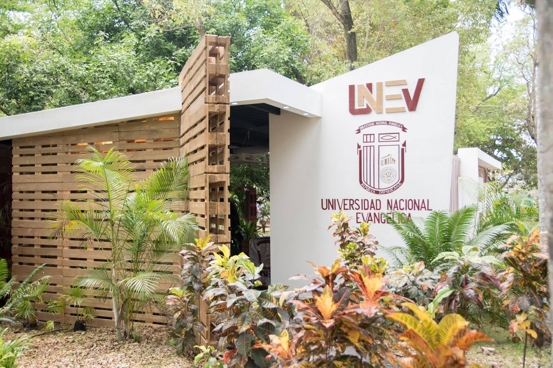 Universidad Nacional Evangélica - UNEV Campus