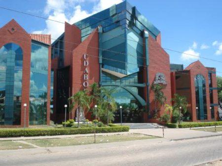 Universidad de Aquino de Bolivia - UDABOL Campus