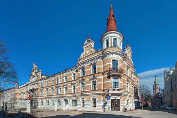 Riseba university building