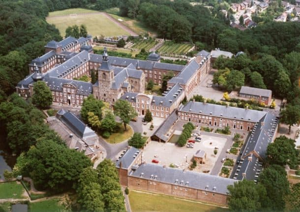 Apsley Business School - campus