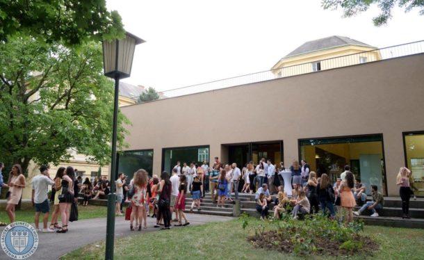 Lauder Business School -campus