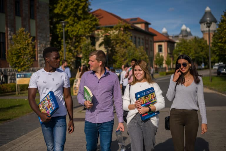 Students walking on the interntional business school campus