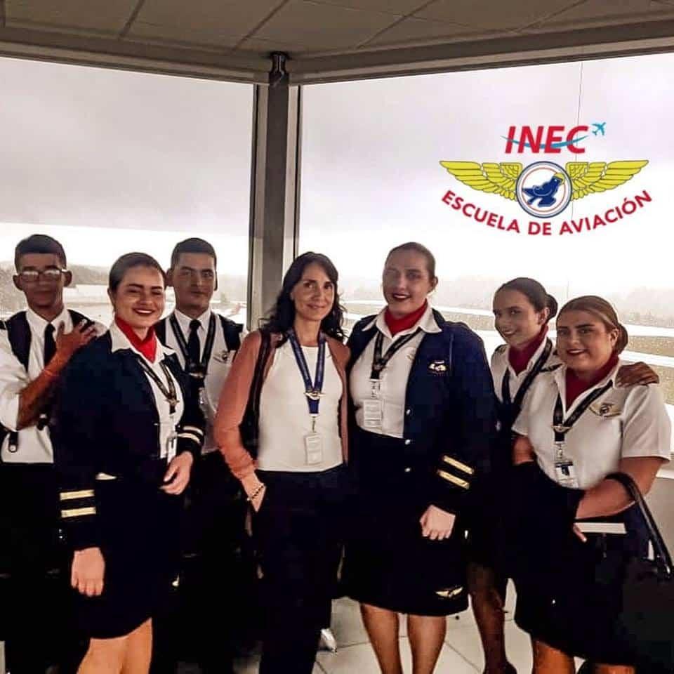 Escuela de Aviación - INEC Campus