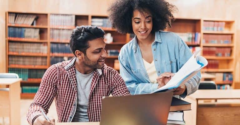 IUBH Students working online